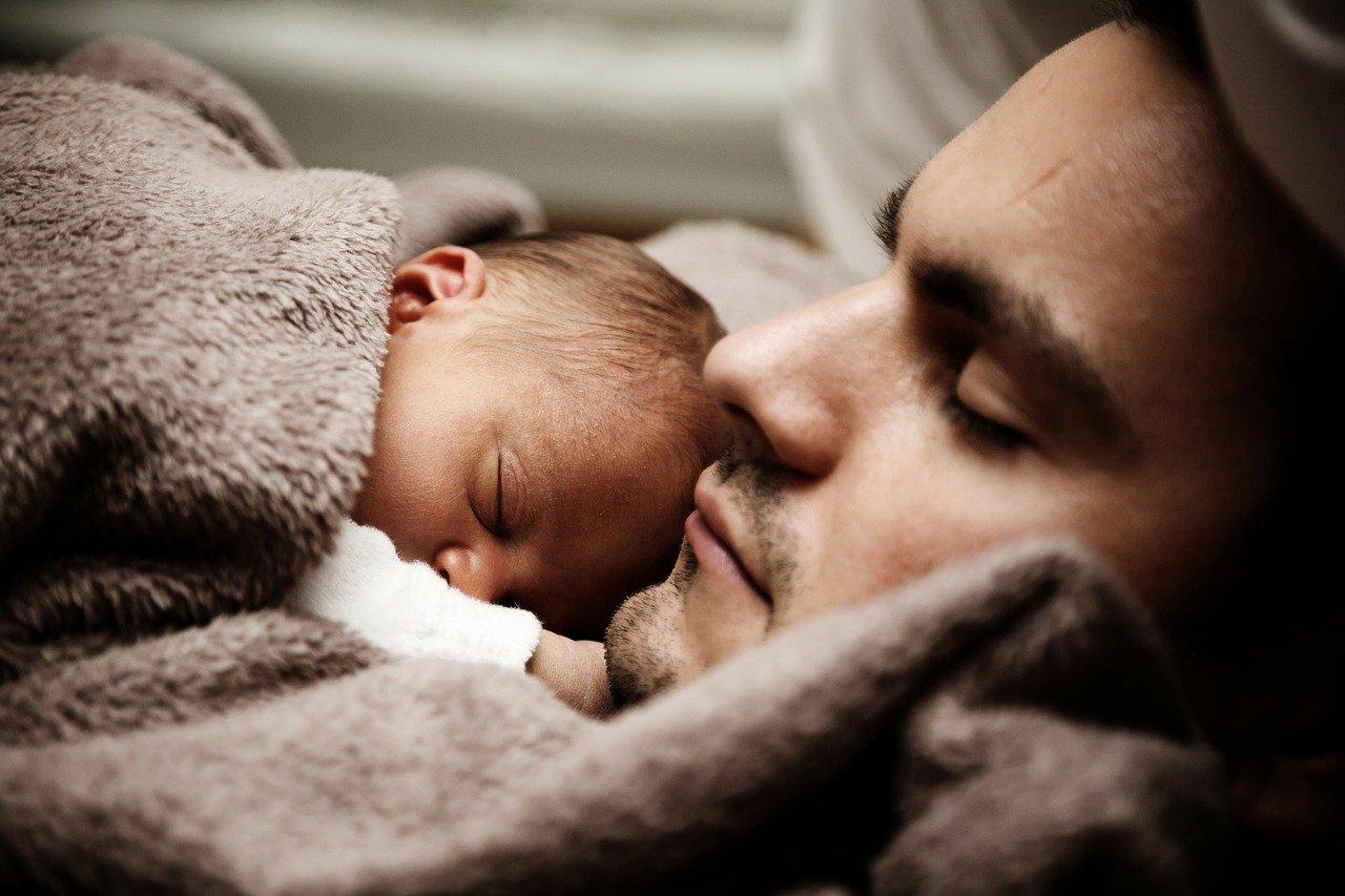 pappa och bebis